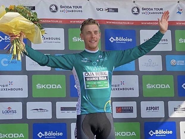 Sergio Martín encuentra el premio a su combatividad con el maillot de la montaña