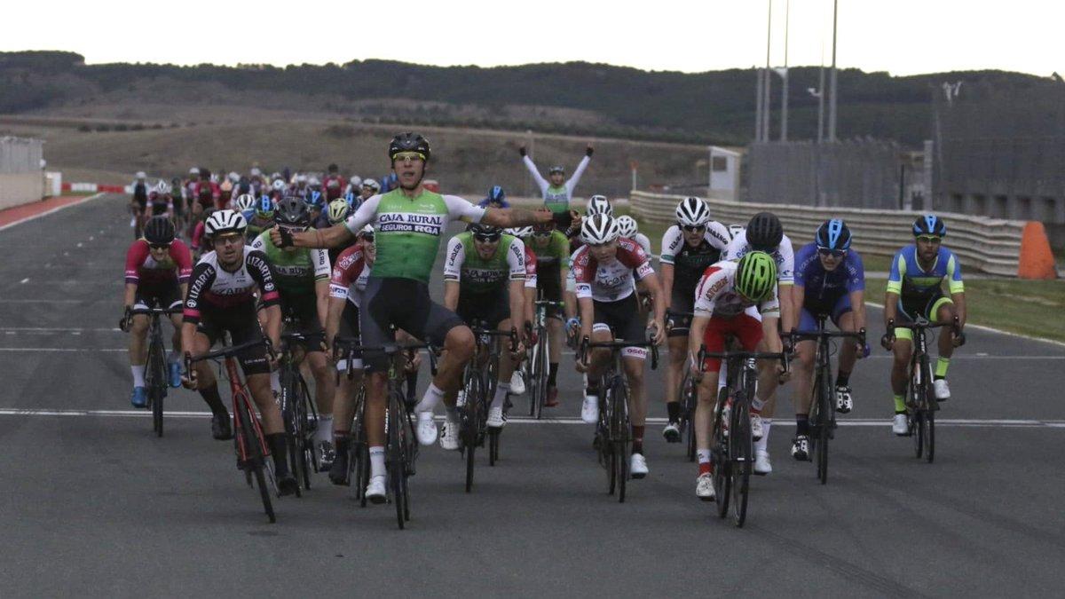 Andoni López de Abetxuko impone su velocidad en el Circuito de Navarra