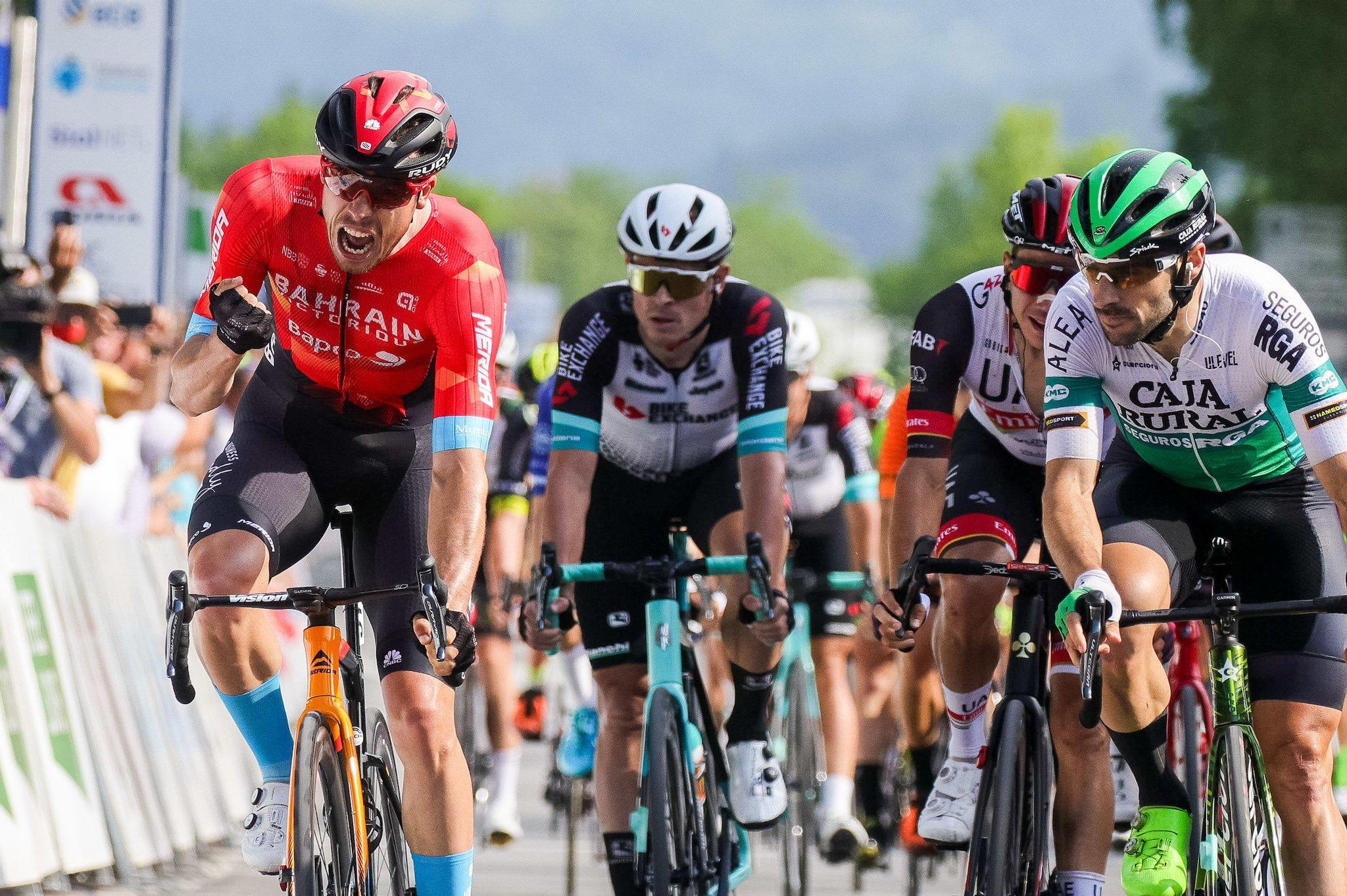 Aberasturi roza el triunfo en el sprint inaugural de Eslovenia