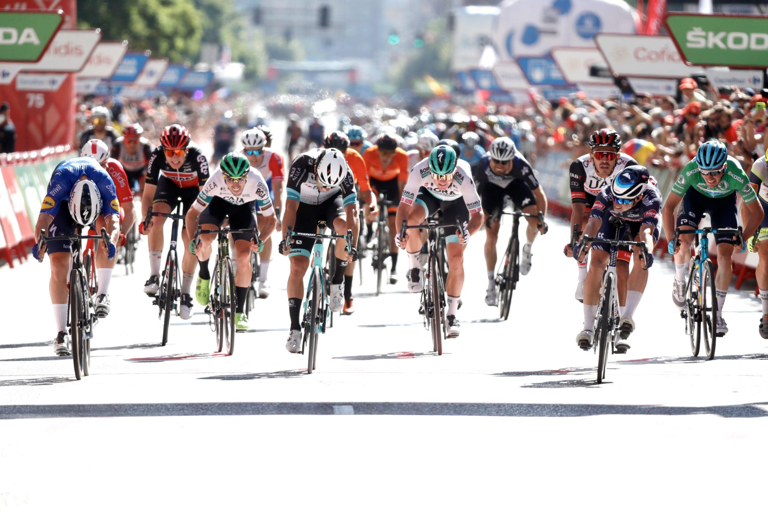 Sexto puesto para Jon Aberasturi en el primer sprint de La Vuelta