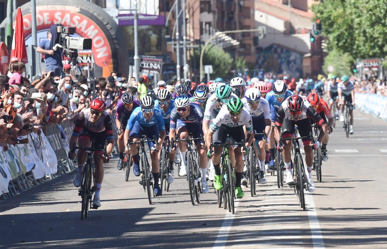 Jon Aberasturi acaricia la gloria al sprint en Aranda de Duero